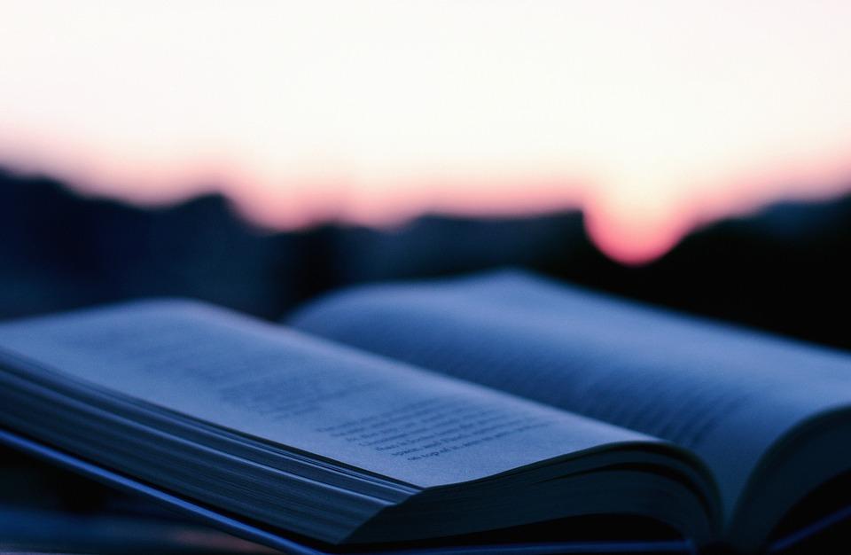 book-2598916_960_720